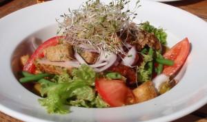 Travel & Eats: Become Salad Savvy